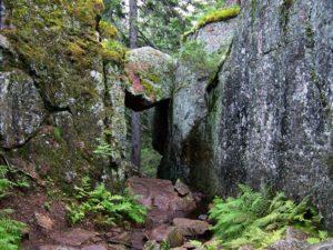 Skuleskogen_National_Park_-_stone_corridor